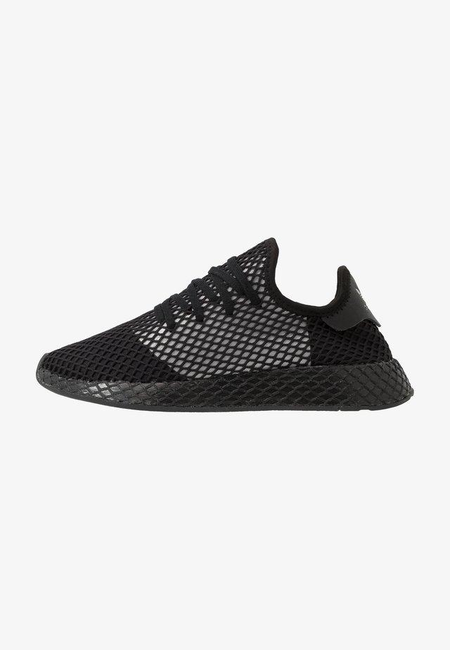 DEERUPT RUNNER - Sneakersy niskie - core black/silver metallic