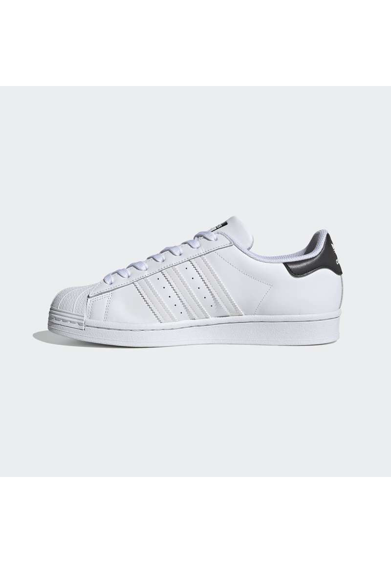 adidas Originals - 2020-04-02 SUPERSTAR SHOES - Sneakers laag - white