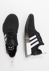 adidas Originals - NMD R1 - Matalavartiset tennarit - core black/footwear white - 1