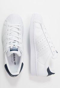 adidas Originals - SUPERSTAR - Baskets basses - footwear white/collegiate navy - 5