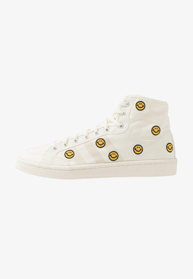AMERICANA DECON - Sneakers hoog - offwhite/core white/easy yellow