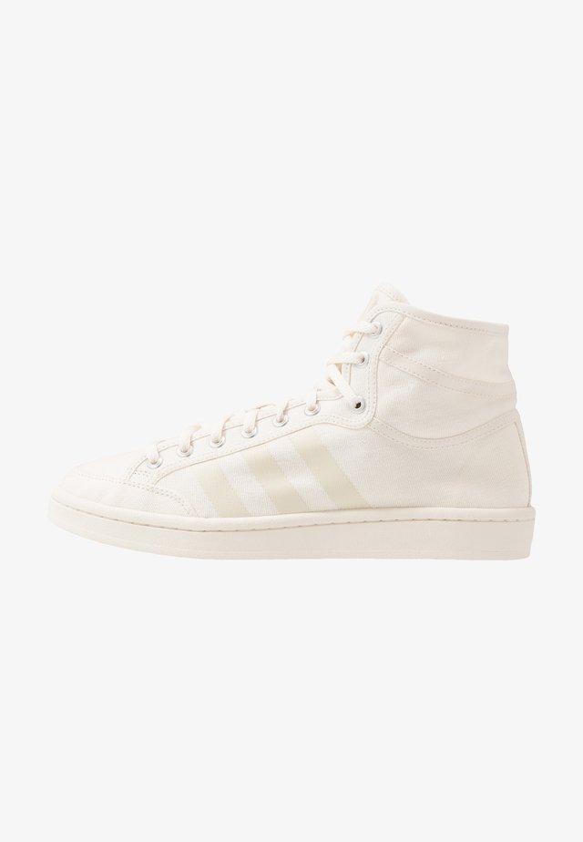 AMERICANA DECON - Sneakersy wysokie - core white