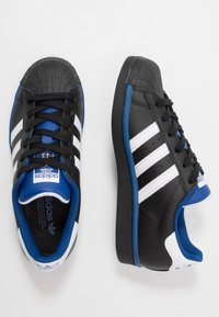 adidas Originals - SUPERSTAR - Sneakers laag - core black/footwear white/collegiate royal - 1