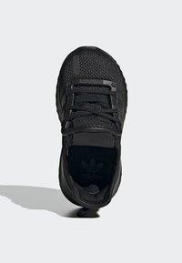 adidas Originals - PATH RUN SHOES - Trainers - black - 1