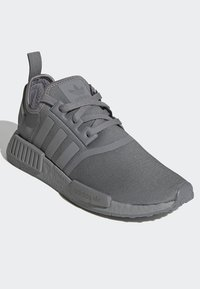 adidas Originals - NMD_R1 SHOES - Sneakers - grey - 3