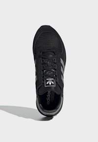 adidas Originals - MARATHON TECH SHOES - Sneakers basse - black - 2