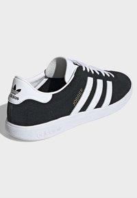 adidas Originals - JOGGER SHOES - Sneaker low - black - 4