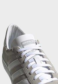 adidas Originals - JOGGER SHOES - Sneakers basse - grey - 8