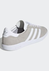 adidas Originals - JOGGER SHOES - Sneakers basse - grey - 4