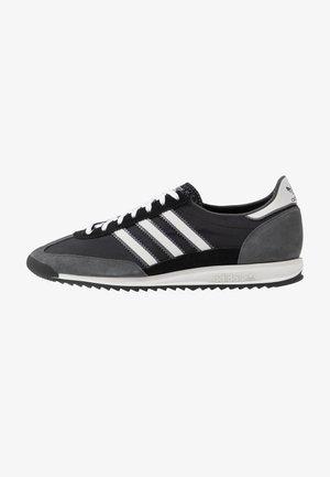 Sneakersy niskie - core black/grey one/grey six