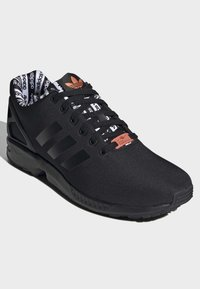 adidas Originals - ZX FLUX SHOES - Sneakersy niskie - black