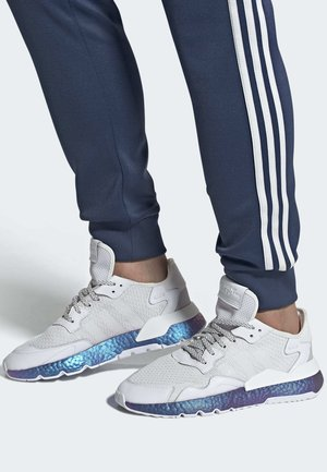 NITE JOGGER SHOES - Sneakersy niskie - white