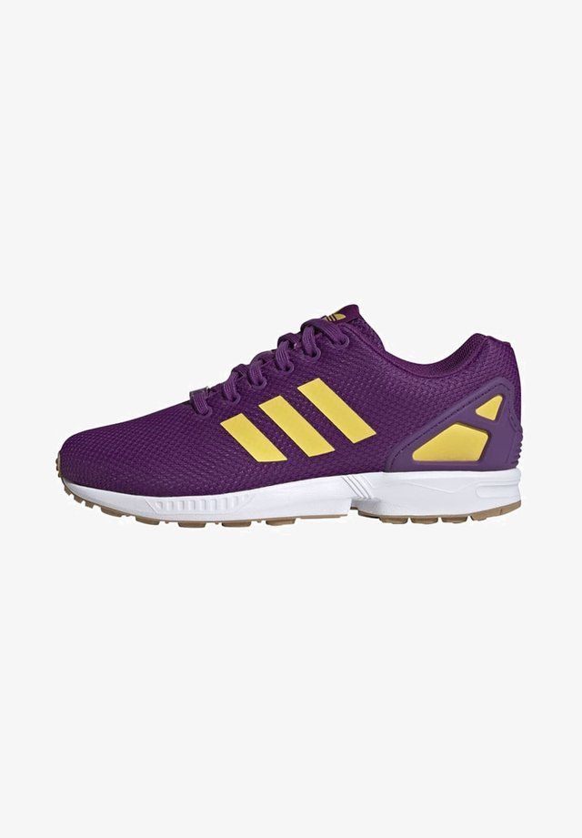 ZX FLUX SHOES - Sneakersy niskie - purple