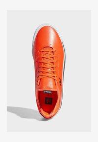 adidas Originals - SABALO SHOES - Baskets basses - orange - 2