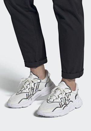 OZWEEGO  - Sneakersy niskie - white