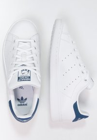 adidas Originals - STAN SMITH - Sneakers basse - blanc/bleu