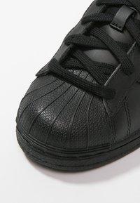 adidas Originals - SUPERSTAR FOUNDATION - Sneaker low - core black - 5