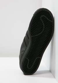adidas Originals - SUPERSTAR FOUNDATION - Sneaker low - core black - 4