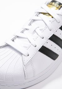adidas Originals - SUPERSTAR - Sneakers - white/core black - 5