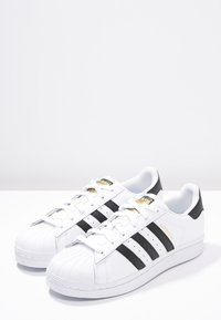 adidas Originals - SUPERSTAR - Sneakers - white/core black - 2