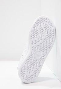 adidas Originals - STAN SMITH  - Tenisky - white/blue - 4