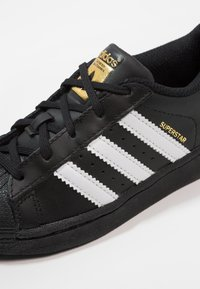 adidas Originals - SUPERSTAR FOUNDATION - Sneaker low - core black/footwear white/core black - 2
