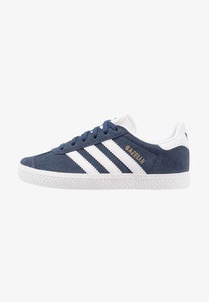 GAZELLE - Trainers - collegiate navy/footwear white