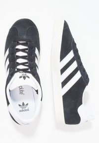 adidas Originals - GAZELLE  - Sneakers laag - core black/white/gold metallic - 1