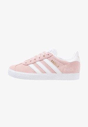 GAZELLE C - Trainers - icepink/footwear whitet/gold metallic