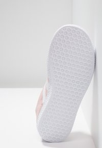 adidas Originals - GAZELLE C - Trainers - icepink/footwear whitet/gold metallic - 5