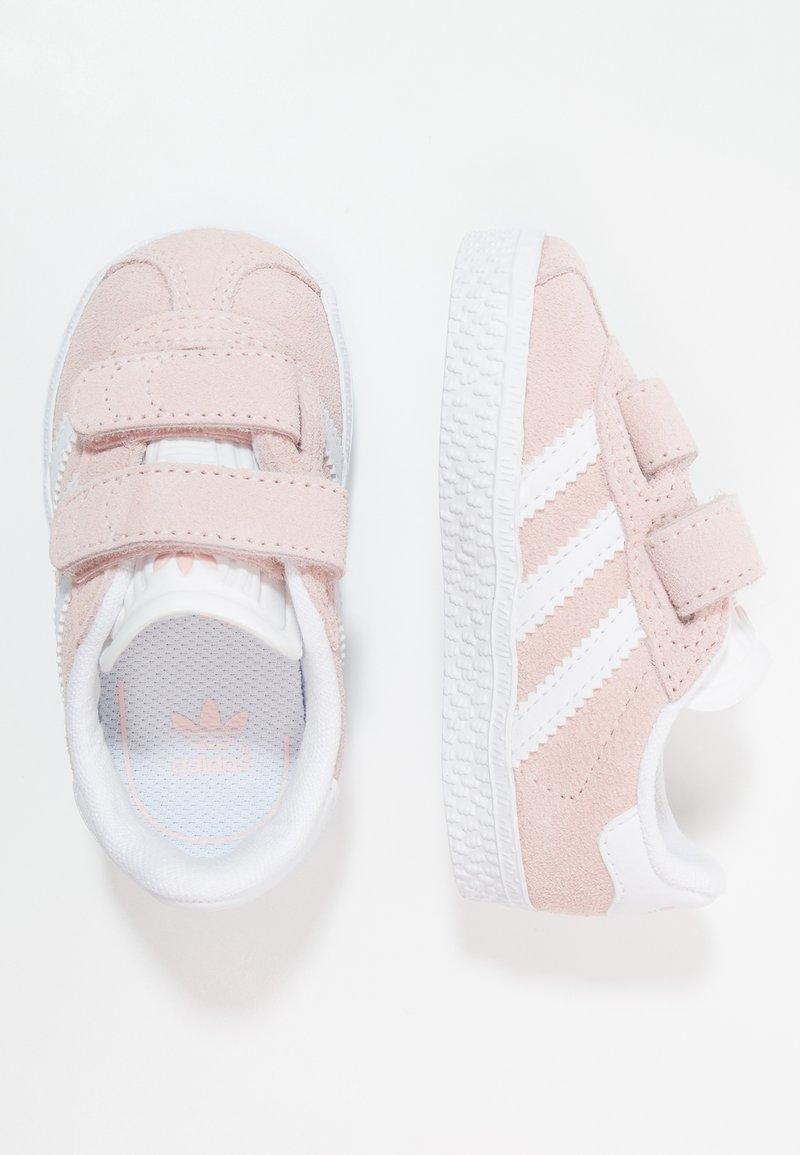 adidas Originals - GAZELLE - Sneakers laag - iced pink/footwear white
