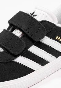 adidas Originals - GAZELLE - Trainers - core black/footwear white - 5