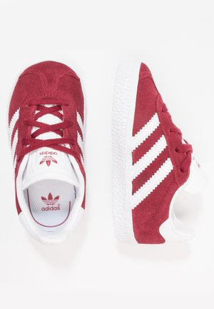 GAZELLE - Joggesko - collegiate burgundy/footwear white