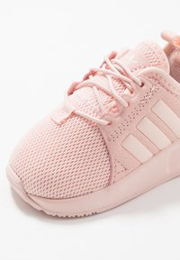 adidas Originals - X_PLR  - Zapatos de bebé - light pink - 2