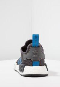 adidas Originals - NMD_R1 - Sneakers laag - grey five/bright blue - 4