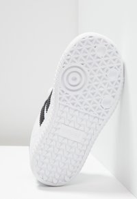 adidas Originals - SAMBA OG - Trainers - footwear white/core black/crystal white - 5