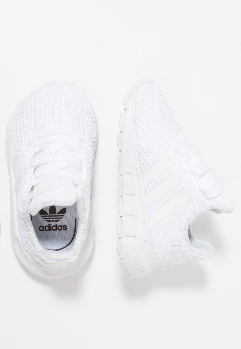 adidas Originals - SWIFT RUN - Babyschoenen - footwear white