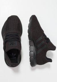 adidas Originals - SWIFT RUN - Sneakers - core black - 0