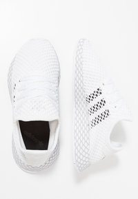 adidas Originals - DEERUPT RUNNER - Tenisky - footwear white/core black/grey two - 0