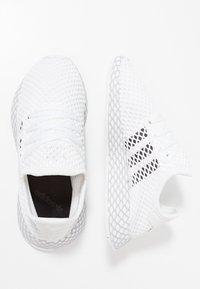 adidas Originals - DEERUPT RUNNER - Baskets basses - footwear white/core black/grey two - 0