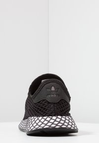 adidas Originals - DEERUPT RUNNER - Trainers - core black/footwear white/grey five - 4