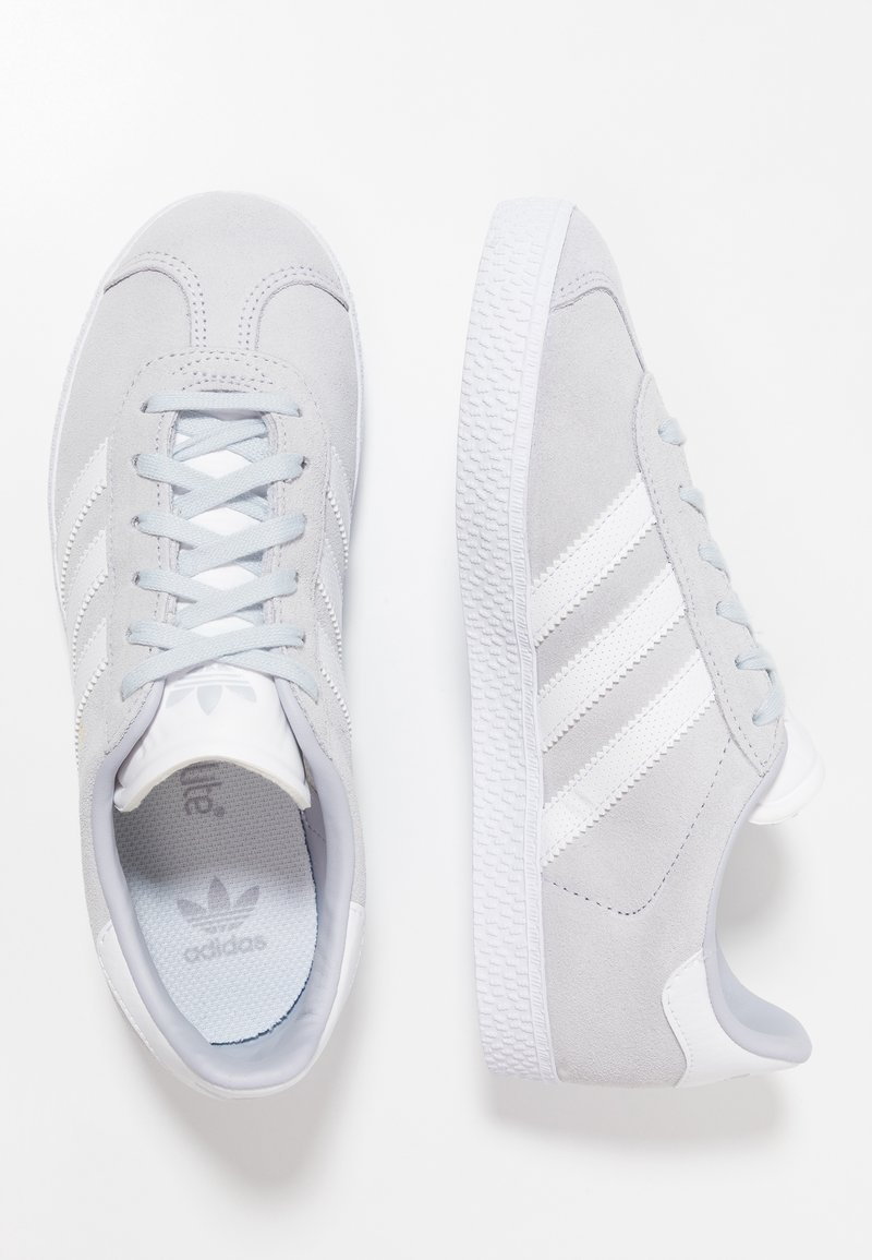 adidas Originals - GAZELLE - Baskets basses - aero blue/footwear white