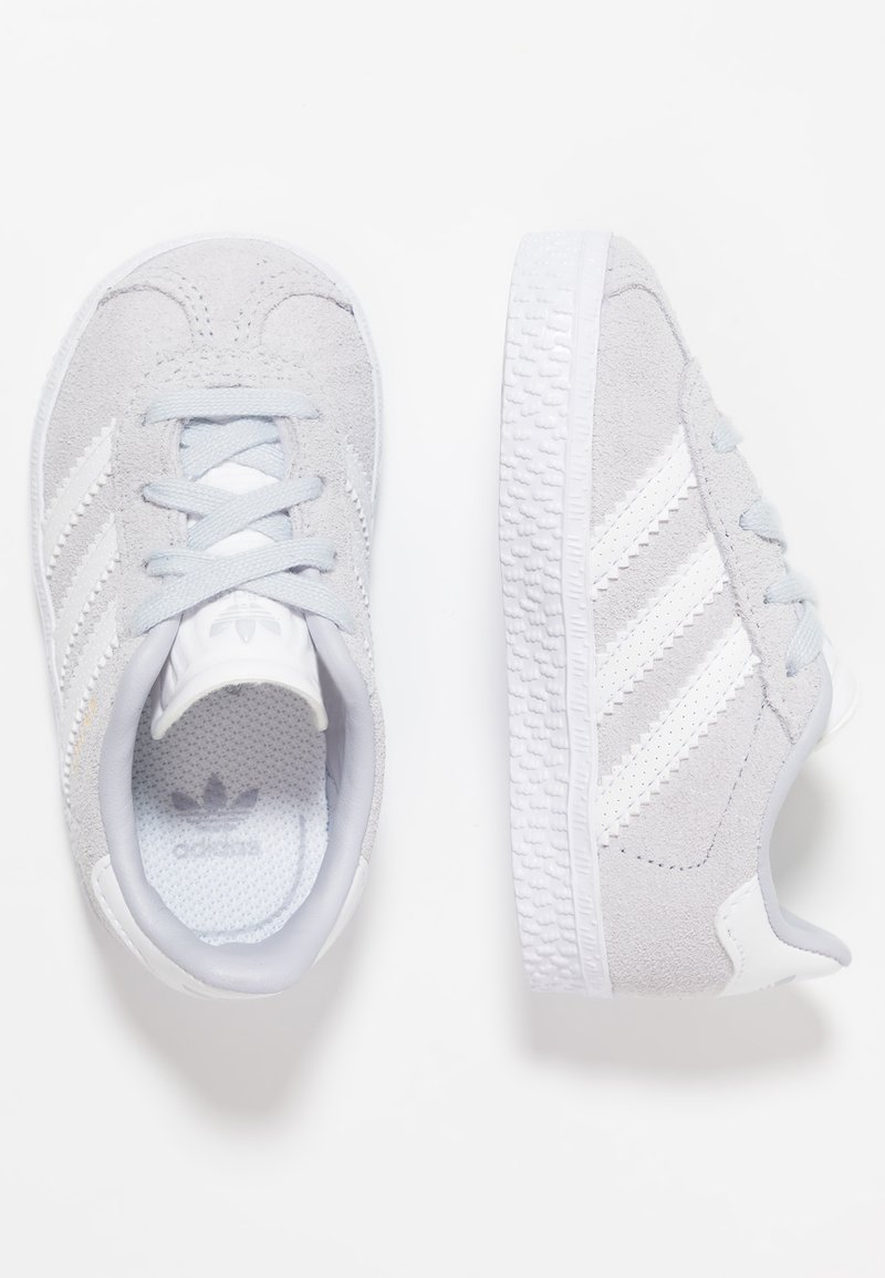 adidas Originals - GAZELLE - Sneaker low - aero blue/footwear white