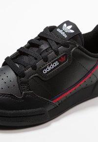 adidas Originals - CONTINENTAL 80 - Sneakers laag - core black/scarlet/collegiate navy - 2