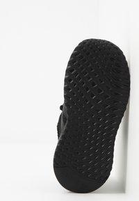 adidas Originals - PATH RUN  - Zapatillas - black - 5