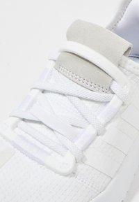 adidas Originals - PATH RUN - Trainers - white - 2
