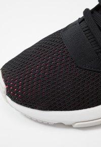 adidas Originals - POD-S3.1 - Sneakers laag - core black/shock red - 2