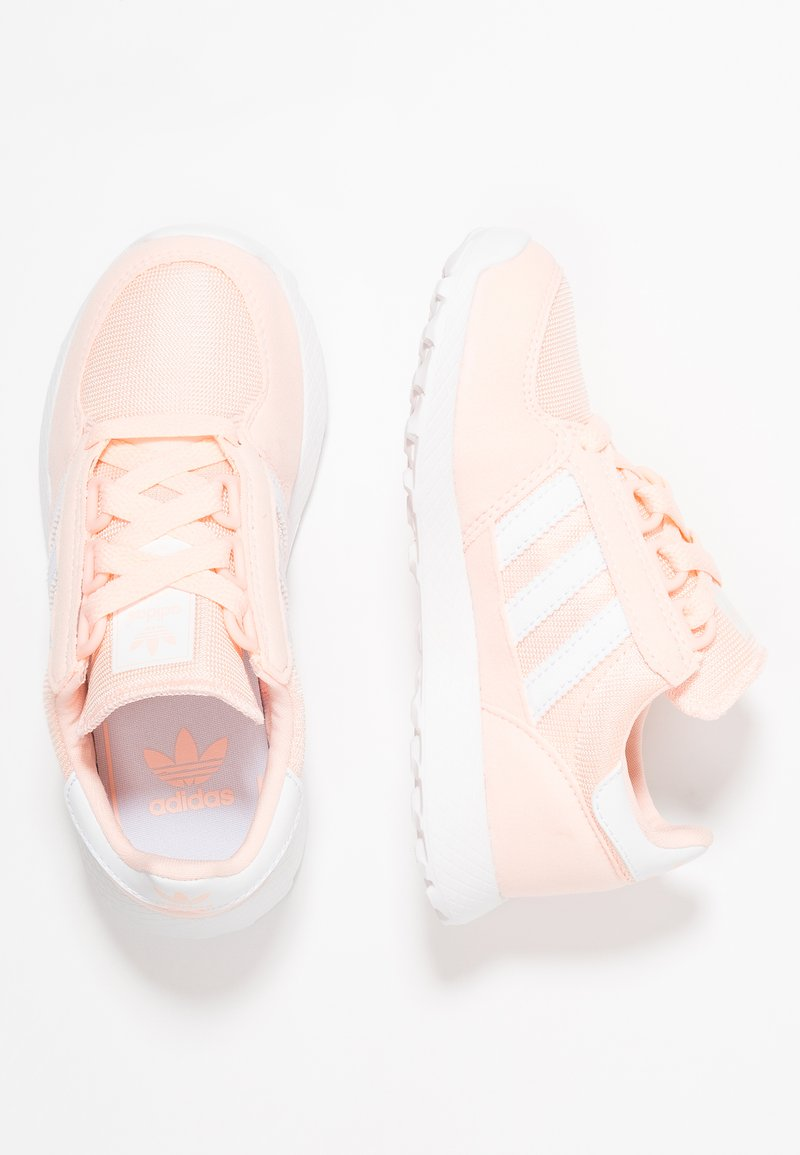 adidas Originals - FOREST GROVE - Sneaker low - clear orange/footwear white