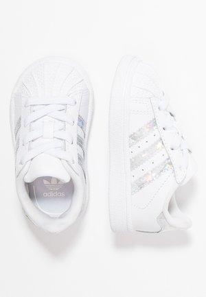 SUPERSTAR - Obuwie do nauki chodzenia - footwear white