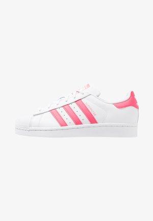 SUPERSTAR - Sneakers laag - footwear white/real pink